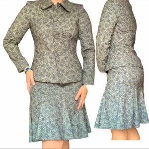 Albert Nipon Floral Blue tweed skirt suit size 6